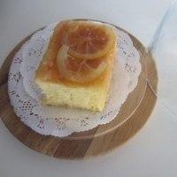 月末の仕事 お菓子はフォンダンショコラ レモンゼリー ウイークエンド 小さないちごパイ