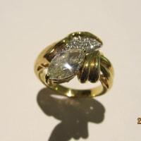マーキース・カットのDiamond Ring