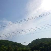 5月1日(月)のつぶやき★気圧の谷が過ぎ去り晴れてきた!メーデーメーデーメーデーを繰り返し連呼すると意味が違うのでやめて、、リフトも良いね!お山に行こう!😊★