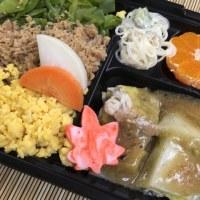 三色丼と挽肉白菜重ね蒸しと春雨サラダ