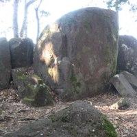 石神山に登る