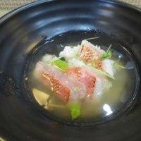「江ノ島」電車通 朝どれの海鮮丼