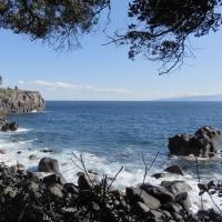 海岸からの門脇灯台