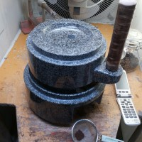 バリコーヒー専用の石臼の制作