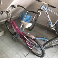 小学校低学年用ピンクの自転車差し上げます