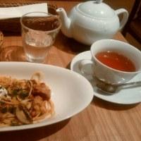 アフタヌーンティールーム9/1~の秋限定メニュー「きのことローストチキンのソイソースパスタ」「モンブラン」食べてきました。