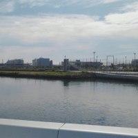 横浜駅東口あたりの「みなとみらい大橋」から