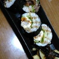 巻き寿司練習中