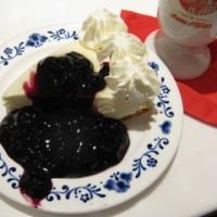 アンナミラーズ高輪店kiriのクリームチーズ使用のレアチーズケーキ ブルーベリートッピング