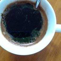 粉末の青汁をコーヒーに混ぜて飲んでみたけど…