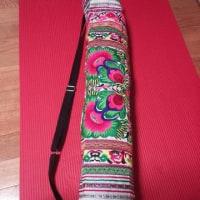刺繍のヨガマットカバー