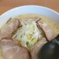 今日の昼飯は原点の大豚塩ラーメン。