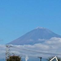富士山が初冠雪でした。