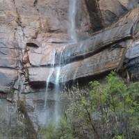 ザイオン国立公園の岩山に圧倒される