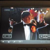 機内映画であの新大統領を発見!