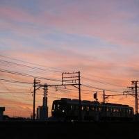 静岡鉄道は古庄-県総合運動場 の風景 (電車をシルエットにしてみたが・・)