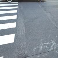 横断歩道の自転車レーン(自転車横断帯)の廃止