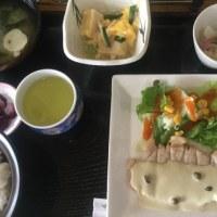 5月16日の日替り定食(550)は、ポークソテー、ツナとケッパーのソース です。