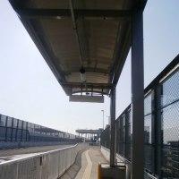 高速長岡京バス停下りの乗り場(高速長岡京バス停から阪急電車に乗る)
