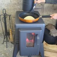 薪ストーブで料理教室