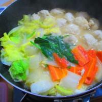 とり野菜みそ鍋、まるごとカマンベール釜リゾット風