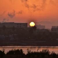 26/Oct 銀河の上のオリオンと川の朝陽とコスモス畑