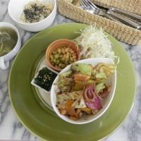 今週のマクロビオティックランチは「旬野菜と自家製厚揚げの味噌炒め」です!! 1/18~1/23