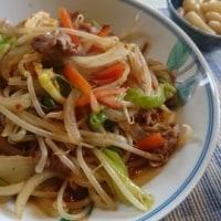 お昼ご飯は 中華風野菜炒め