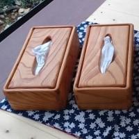上質のケヤキ材で無垢のティシュボックスを作りました。