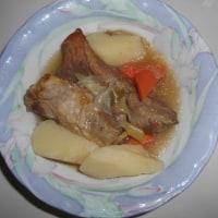 長芋とスペアリブの料理