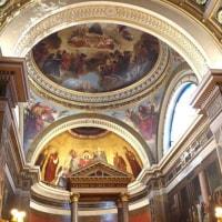 """パリ・モンマルトル紀行⑭ 2つの教会が""""合体""""する奇跡のポイントを見つけた=ノートルダム・ド・ロレット教会上"""