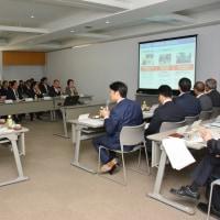 友好都市佐賀県みやき町から産業建設委員会の皆様が研修に来庁されました。