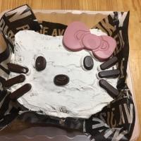 キティーちゃんのケーキ