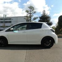 新しい車は、「Vitz G's」