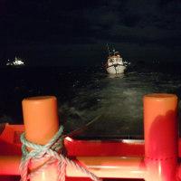 ソレントで機関故障の漁民らを救助