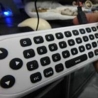 「海外で日本のテレビを見る方法」。うちは「3丁拳銃」から「1本のショットガン」にした。「Watch TV」「U-box3」「KーBox」の3つ。