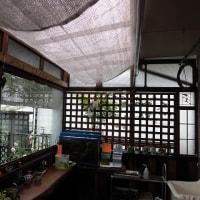 DIY(テラスを部屋らしく窓を付ける その17 遮光シートを付けました)