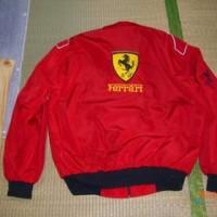 フェラーリのジャケット&今日も脱穀作業