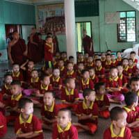 ミヤンマー ヤンゴン市内の寺小屋 2