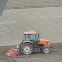 農業の機械化が大分進んだと思われます。