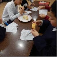 ▲児童クラブのおやつ「チーズ食パン」は大好評でした!