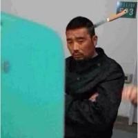 頭に果物ナイフが刺さった男性 自ら落ち着いて病院へ――中国吉林省延吉市
