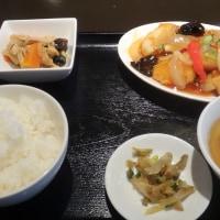 アットホームな台湾料理店で「魚甘酢あんかけ」ランチ!@駒込駅の「台湾キッチンかのか」!