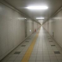 長い長い地下道・・・地下水道・・・・アンジェイ・ワイダ・・・