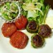庭で収穫したものを使って、ゴーヤハンバーグと焼きトマト♪
