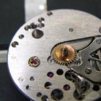 ロンジン婦人物手巻き時計を修理です
