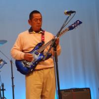 28-12/04  ぎおんランチャーズのライブに参加。