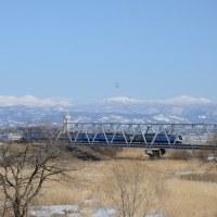 平川橋梁を渡るリゾートしらかみ