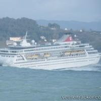 クルーズ客船BalmoralはGijionに避航