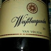 強いアルコールのアタックとグレープフルーツのニュアンスが強い2015年のWeissburgunderです。